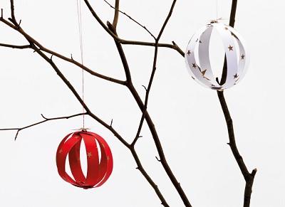 Weihnachtskugeln_aus_Papierstreifen